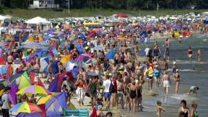 Warum sich manche Erwachsene im Urlaub so schlecht benehmen