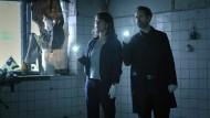 Dunkle Gefilde: Brasch (Claudia Michelsen) und Köhler (Matthias Matschke) bei der Tatortsichtung