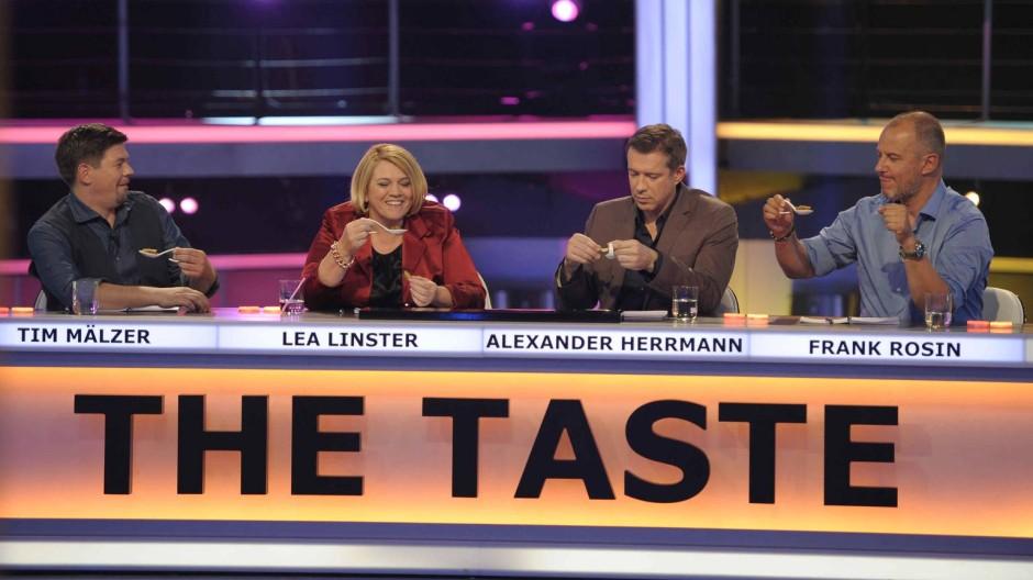 """Die Juroren bewerten Löffelgerichte. Denkt wirklich jemand, auf diese Weise fände man den """"besten Koch Deutschlands""""?"""