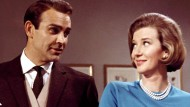 """Sean Connery und Lois Maxwell in """"Goldfinger"""" (1963)"""