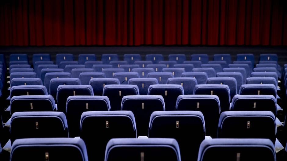 Leere Sitzreihen: Fast alle Kinos in Deutschland blieben im ersten Halbjahr dieses Jahres geschlossen