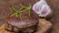 Frisch gebratenes Rindersteak: Bleibt uns künftig davon nur das Rosmaringrün?