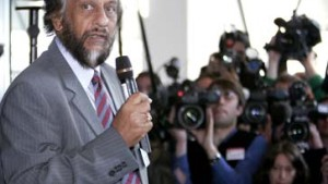 IPCC Chairman Pachauri briefs media in Brussels