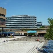 """Reuschs """"Wasserrelief"""" vor der Ruhr-Uni Bochum"""