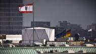 Die Warnungen vor möglichen Abhörantennen – wie hier auf der britischen Botschaft – wurden von der deutschen Politik ignoriert.