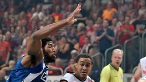 Bamberg gleicht mit Sieg in Frankfurt aus