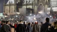 Befeuerte Symbolik: Der Kölner Dom in der Silversternacht 2015