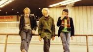 Wollen mit ihrer Musik Hallen füllen: Kai Gabriel, Robert Stadlober und Rasmus Engler