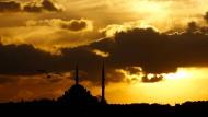 Es wird finster in der Türkei: Die Fatih-Moschee in Istanbul.