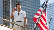 "Leonardo DiCaprio als Jordan Belfort: Szene aus ""The Wolf of Wall Street"""