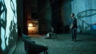 "Projektionen: Szene aus dem Wettbewerbsbeitrag ""Yi miao zhong (One Second)"" von Zhang Yimou"