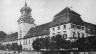 Das Schloss Rechnitz: Hier wurde im März 1945 bei der Familie Batthyánys ein großes Fest gefeiert. Die Gäste ermordeten 180 Juden und vergnügten sich anschließend weiter.