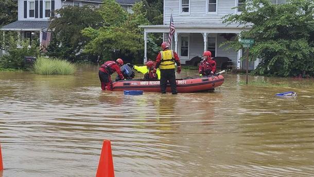 Überschwemmungen und Stromausfälle in den USA