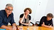 """""""Man muss Spielräume schaffen für Unvorhersehbares"""" - die Regisseure David Bernet, Irene Langemann und Andres Veiel während des Gesprächs."""