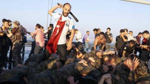 Demonstranten verprügeln bleibt straffrei