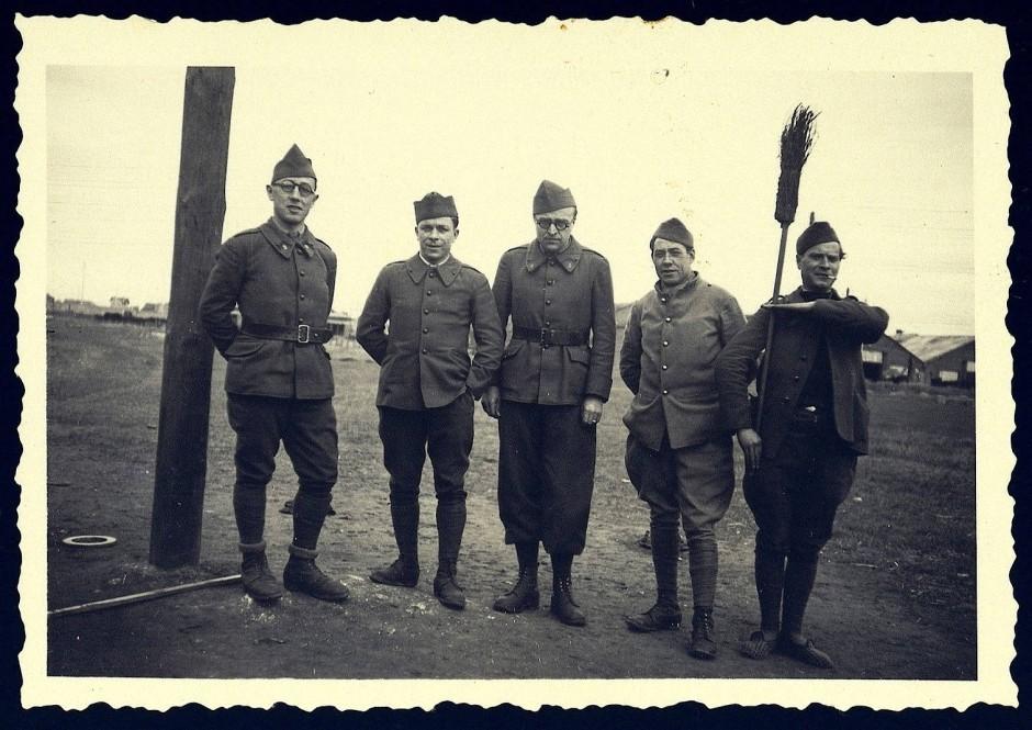 Verspielter Krieg: Alexandre Kojève inmitten von Kameraden nach der Mobilmachung 1940