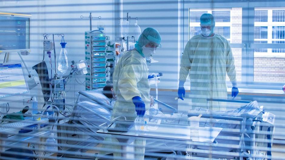 Intensivstation in Greifswald: Warum nicht denen den Vortritt lassen, die bereits ein Impfrisiko eingegangen sind?