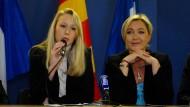 Enkelin und Tochter des Parteigründers Jean-Marie Le Pen: Marion Maréchal-Le Pen und Marine Le Pen