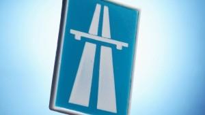 Warum kennt eigentlich die ganze Welt die Route 66 und keiner die A5? Über eine Reise zwischen Chicago, Kalifornien, Hamburg und Basel - und den Versuch, die deutsche Autobahn auf der Reisemesse ITB zu vermarkten.