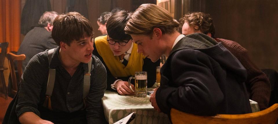 """Im Film """"Das schweigende Klassenzimmer"""" wird eine ganz Schulklasse ..."""