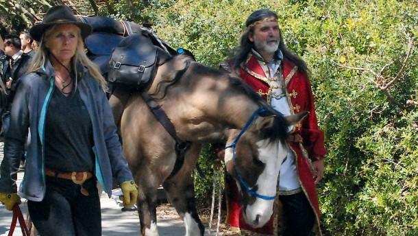 Ross Birrell schickt für die Documenta Reiter über die Balkanroute