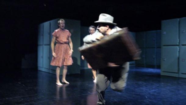 Zehn Inszenierungen, zwei Neulinge zum Berliner Theatertreffen