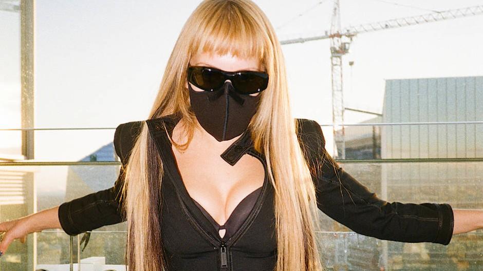Anders als wir trug sie schon immer eine Maske: Die Rapperin Myss Keta