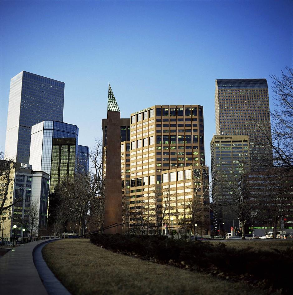 Downtown hat ein regelrechtes Baufieber erfasst - die Bauherren kommen kaum nach mit dem Hochziehen ihrer vielstöckigen Apartmentkolosse.