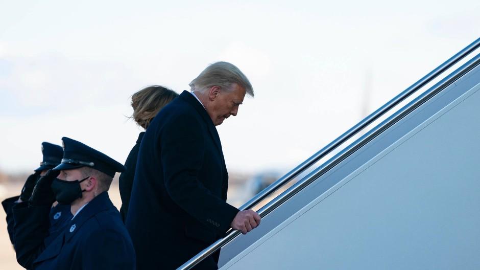 Abflug: Donald Trump besteigt zum letzten Mal die Air Force One.