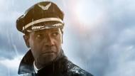 Trinker, Kokser, Kiffer – und dummerweise auch Pilot: Denzel Washington als Whip Whitaker