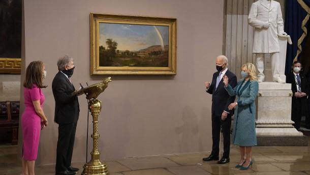 Was die Gemälde der Machthabenden bedeuten
