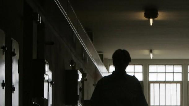 Haben Geheimdienste die Verabredung zum Selbstmord der RAF-Häftlinge belauscht?