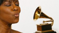 """2009 gewann Natalie Cole einen Grammy für ihr Album """"Still Unforgettable""""."""