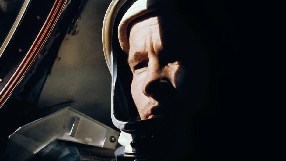 Der Astronaut Ed White während des Fluges von Gemini-4 im Juni 1965.