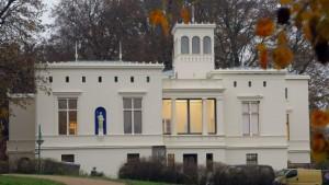 Die Villa hinter dem Stalinrasen
