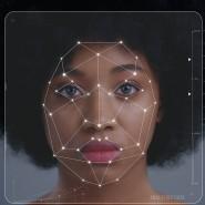 Im Raster der Künstlichen Intelligenz: Gesichtserkennungssoftware erkennt schwarze Menschen oft schlechter als weiße.
