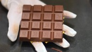 Eine Tafel Ritter-Sport-Schokolade im Berliner Flagship-Store