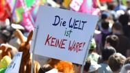 Widerstand gibt es nicht nur im Netz: TTIP-Gegner in München