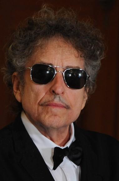 Presidental Medal awarded to Bob Dylan