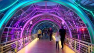 Leipzig leuchtet wieder: illuminierter Messegang während des 34. Chaos Communication Congress