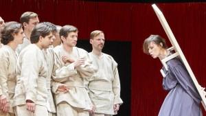 Antigone und das Bein der Schaufensterpuppe