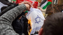 Warum jüdische Eltern ihre Kinder aus der Schule nehmen