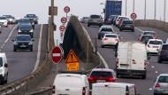 Gewöhnlichen Reisenden bleibt auf der Autobahn einiges verborgen: Auf der Autoroute 31 im Jahr 2015.