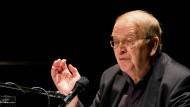 Mit Witz und Trauer, mit Humor und Treffsicherheit: Wilhelm Genazino bei einer Lesung in Frankfurt