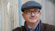 Der britische Schriftsteller und Journalist John Lanchester