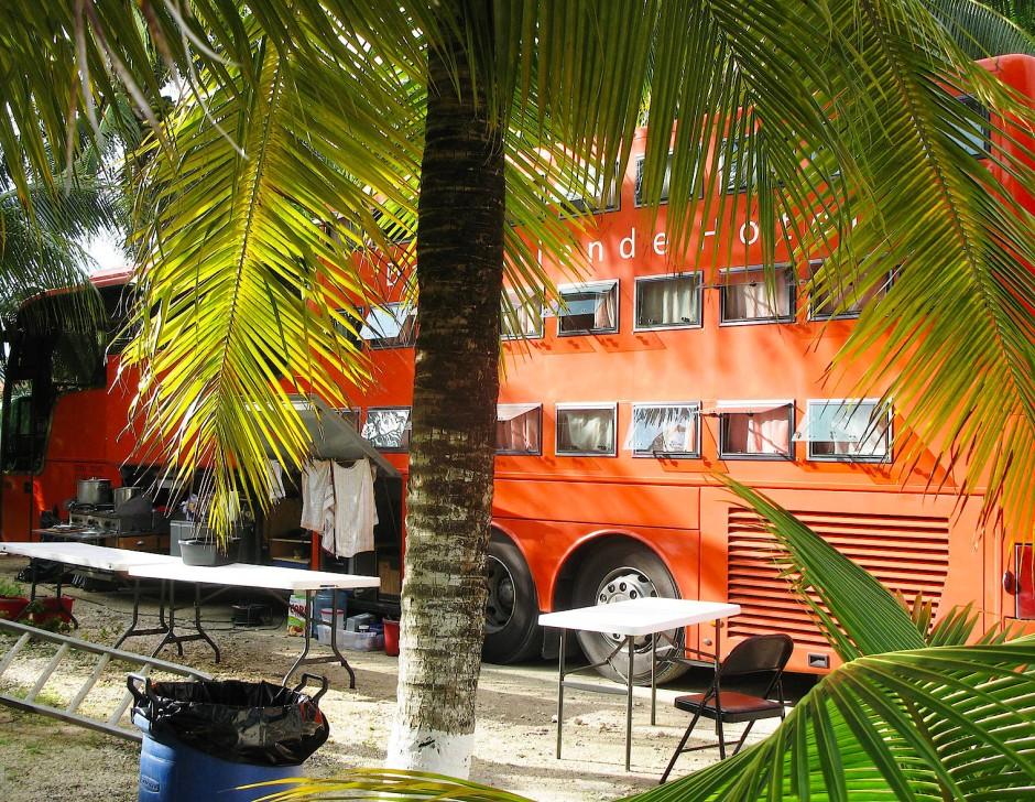 Der unlängst verstorbene Unternehmensgründer Georg Höltl hatte sich die Idee zu dem originellen Hotelbus nach dem Zweiten Weltkrieg patentieren lassen.