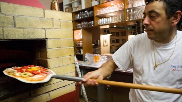 Da kommt Paolo mit dem Pizza-Blitze