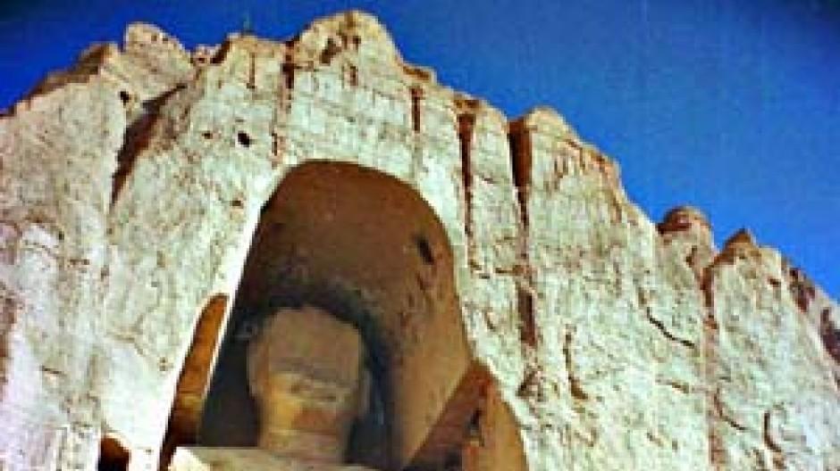 Diesen fast 2.000 Jahre alten Buddha von Bamiyan gibt es nicht mehr