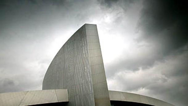 Bauten von Libeskind und Foster eröffnet