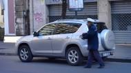 Auf dem Weg zum Knöllchen: Parkraumbewirtschaftung in Catania